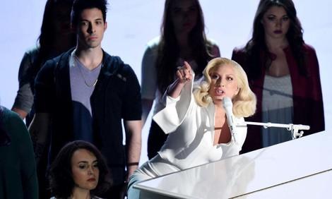 """""""Til It Happens To You"""" – Lady Gaga bei den Oscars"""