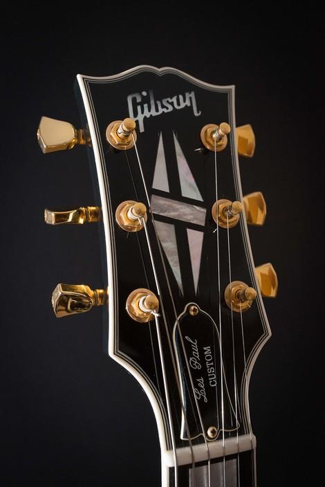 Eine kurze Geschichte der Gitarren-Zerstörung
