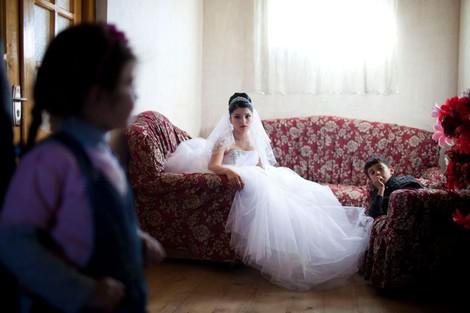 """""""Sie denken, dass das Leben so läuft"""" - wenn aus Kindern Ehefrauen werden"""