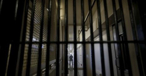 Naiver Technikglauben: Warum Hightech-Gefängnisse eher Problem als Lösung sind