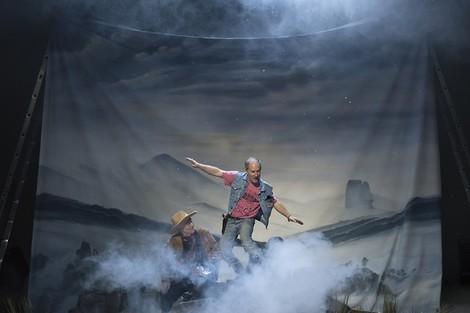 Berge, Farbe und ganz viel Nebel: Caspar Western Friedrich in den Kammerspielen
