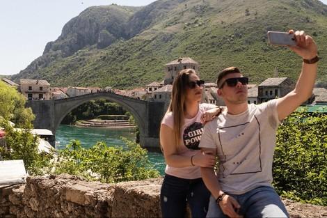 Mostar, Bosnien-Herzegowina: Die Brücke, die trennt