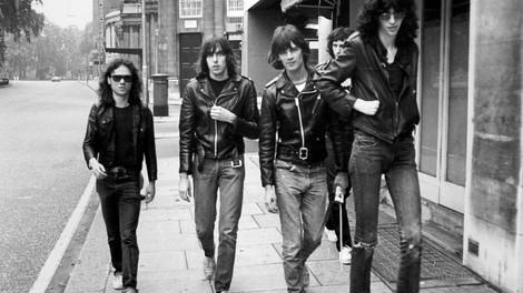 So kann man die Geschichte der Ramones auch erzählen – als Hörspiel