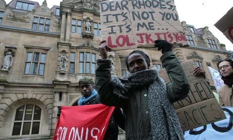 #RhodesMustFall: Ein Hashtag, eine Statue, ein historisches Verbrechen