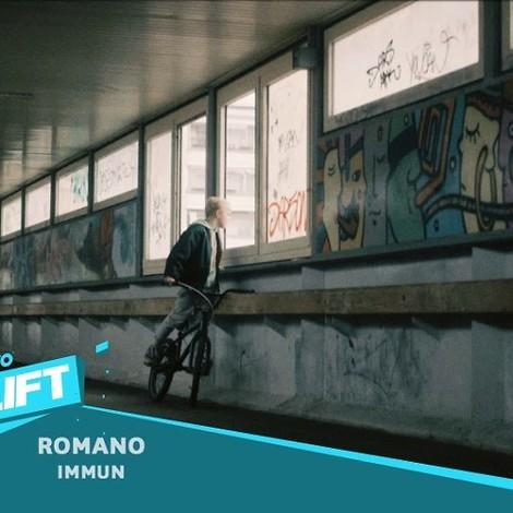 """Romano rappt sich in """"Immun"""" durch seine Einkaufscenterjugend"""