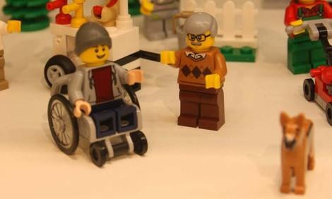 Lego bringt ein neues Set mit Rollstuhlfahrer-Figur und Assistenzhund heraus