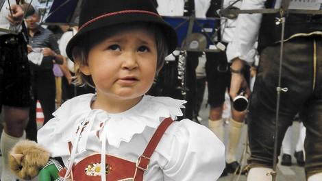 Text über eine Kindheit und Jugend in Bayern -  Oans, Zwoa....Kotzen.