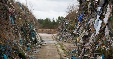 Müll illegal in ganz Brandenburg vergraben
