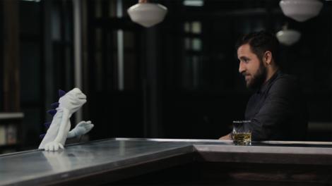 Hacker 'Phineas Fisher' gibt sein erstes Interview - als Handpuppe!