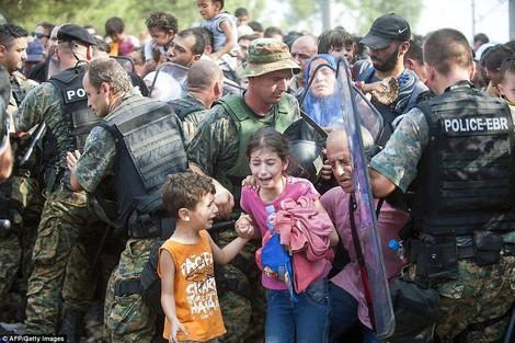 Die doppelten Profiteure der Flüchtlingskrise: Waffenhändler
