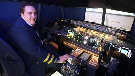Spielen als Lebensaufgabe – Wie ein Mann in seinem Keller den perfekten Flugsimulator baut