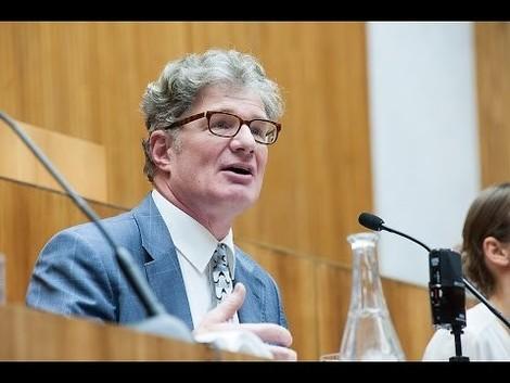 """""""Das Hohe Haus"""" – Szenische Lesung mit Roger Willemsen"""