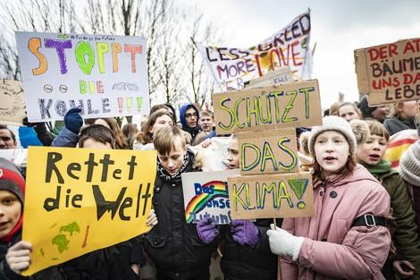 """Sollten sich Erwachsene den """"Fridays for Future""""-Protesten anschließen?"""