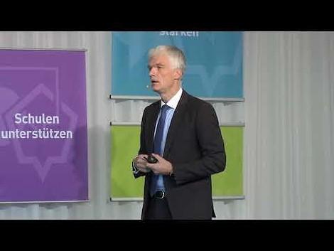 Lernen lässt sich nicht digitalisieren – Wissensträger bleibt der Mensch