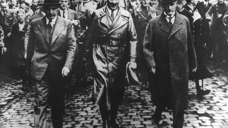 Unpiq: Die Nazis und die Reichen – Oder: Verunglückt die Demokratie wieder?