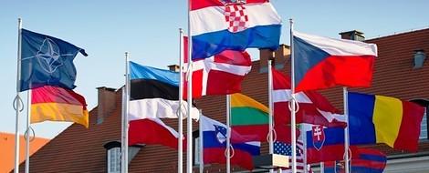 Auf höchstem Niveau: Ein Pro und Kontra zur Geschichte der Nato-Osterweiterung