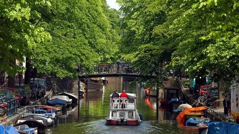 Niederländer bekommen mindestens 1.200 Euro Basisrente, selbst wenn sie nie eingezahlt haben