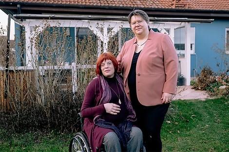 Warum ein lesbisches Paar klagen muss, damit beide Frauen Mutter des gemeinsamen Kindes sein können