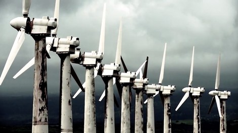 Der neue Michael-Moore-Film verbreitet Veraltetes und Falsches über erneuerbare Energien