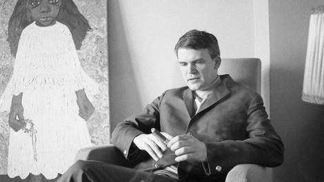 Gestern & Heute: Der Kampf des Gedächtnisses gegen die Macht - Milan Kundera und kein Ende
