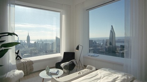 Als Milliardärin verkleidet in New Yorker Luxuswohnungen