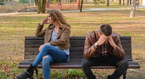 Wie sehr ein gefühlter Machtverlust in Beziehungen Männer belastet