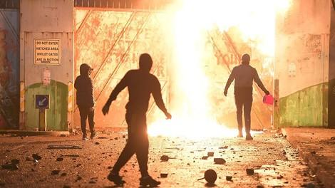Was hinter den Unruhen in Nordirland steckt